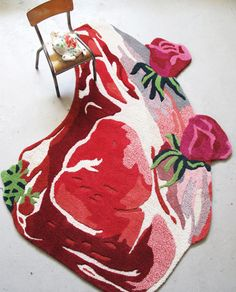 Steak Rug Pure wool of New Zeland, handtufted rugs nathalie lété Kitsch, Textiles, Tapis Design, Blog Deco, Rug Hooking, Floor Rugs, Textile Art, Textile Design, Decoration