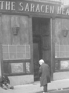 The Saracen Head pub in Glasgow . Affectionately known as 'The Saree Heid' ! Showed this photo to my bloke - he told me he used to go in there for White Tornado. The mind boggles. Glasgow Pubs, Gorbals Glasgow, Glasgow City, Glasgow Scotland, England And Scotland, The Second City, 2nd City, British Pub, British History