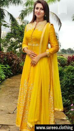 Best Look Yellow Georgette Salwar Suit Kurti Designs Party Wear, Kurta Designs, Indian Gowns, Indian Outfits, Indian Wear, Estilo India, Indian Designer Suits, Anarkali Dress, India Fashion