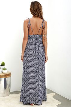 If sandy beaches are what you seek, let the Field Day Navy Blue Print Maxi Dress be your guide! This sun-ready maxi starts with dual tying spaghetti straps that top a plunging V front, plus deep arm openings and a smocked waist. The woven navy blue and ivory print fabric cascades into an elegant maxi skirt for a positively breezy look.
