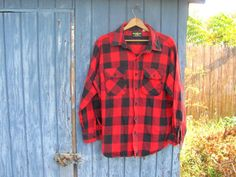 80s black and red checkered shirt / button by dirtybirdiesvintage, $26.00