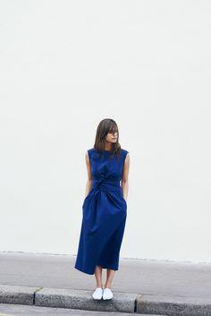 Le bleu selon Roxane Baines & Les Bons D& Simple Dresses, Pretty Dresses, Beautiful Dresses, Casual Dresses, Runway Fashion, Fashion Outfits, Womens Fashion, Fashion Top, Fashion Fall