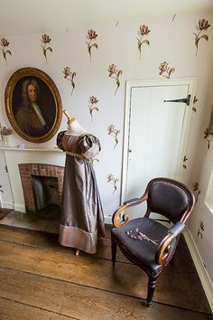 Exhibition at the Jane Austen museum, Chawton Cottage - Mostly I'm just obsessing over that wallpaper. Jane Eyre, Jane Austen Books, Winchester, Jane Austen Museum, Hampshire, Mr. Darcy, Bronte Sisters, Becoming Jane, Classic Literature