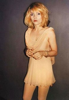Weird Weird World First Rapper, Chica Punk, Blondie Debbie Harry, Nostalgia, The New Wave, Female Singers, American Singers, Pin Up Girls, Style Icons
