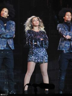 Beyoncé & Les Twins Performing Why Don't You Love Me At O2 Arena London 06.03.2014