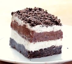 Oreo delight, such a great summer time dessert. It is so fluffy and delicious. Nachtisch hmmmm Oreo delight, such a great summer time dessert. It is so fluffy and delicious. Easy Cake Recipes, Brownie Recipes, Sweet Recipes, Baking Recipes, Cookbook Recipes, Quick Desert Recipes, Oreo Cheesecake Recipes, Summer Recipes, Healthy Recipes