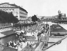 Old Pictures, Vienna, Vintage Photos, Times Square, Street View, Black And White, History, Digital, Travel