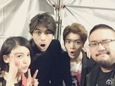 "Luhan snaps a photo with the cast of ""20 Once Again"" at Taiwan Premiere"