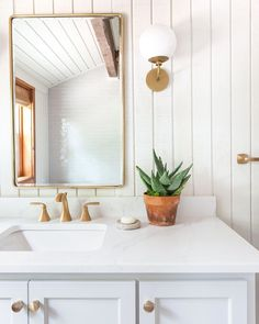 Carefully curated collection of design inspiration, expert advice, stylish homewares and boutique real estate services, we help families love how they live. Log Cabin Bathrooms, Log Cabin Remodel, Log Cabin Exterior, Log Home Interior, Log Cabin, Modern Log Cabins, Rustic Cabin Decor, Modern Cabin, House Interior