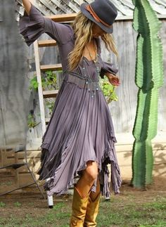 35 Adorable Fall Bohemian Style Ideas, Boho style is a superb deal of fun. My private style varies. The boho-chic style is about the option of the decoration. Look Fashion, Autumn Fashion, Womens Fashion, Fashion Ideas, Gypsy Fashion, Trendy Fashion, Fashion Trends, Fashion Spring, Bohemian Fashion Styles