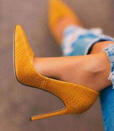 prom shoes high heels gold – Shoes high heels Source by Prom Shoes, Women's Shoes, Me Too Shoes, Shoe Boots, Stilettos, Pumps Heels, Stiletto Heels, Gold Heels, Sneaker Store