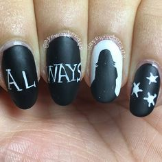 58 Harry Potter Nail Art Ideas That Are Pure Magic Harry Potter Nail Art Ideen, die pure Magie sind Harry Potter Nails Designs, Harry Potter Makeup, Harry Potter Nail Art, Nail Art Designs, Pretty Nail Designs, Us Nails, Hair And Nails, Starrily Nail Polish, Polish Nails