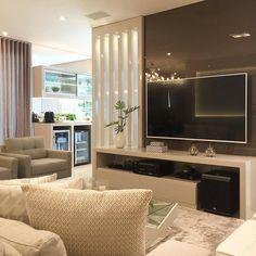 Home sala escuro 22 ideas Decor, Living Room Tv, Living Room Tv Unit Designs, Sala, Room Partition Designs, Bars For Home, Living Room Mirrors, Home Decor, Trendy Home