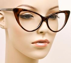 Pictures are of the Actual Glasses ! Ray Ban Round Sunglasses, Cute Sunglasses, Cat Eye Sunglasses, Sunglasses Women, Clear Glasses Fashion, Fake Glasses, Glasses Frames, Cat Eye Colors, Crystal Shoes