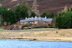 This is an inspiring example of a luxury Scottish lodge. Sitting on the edge of the River Dee in The Scottish Highlands. This modern luxurious Lodge sleeps 8 but can be booked with nearby property which sleeps 10. http://www.scottscastles.com/scotland/highlands-and-islands/modern-luxury-lodge-56.html