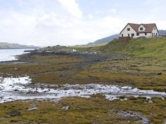 WATER'S EDGE, family friendly, with a garden in Dunvegan, Isle Of Skye, Ref 4262 - TripAdvisor