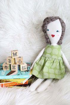 idée de cadeau de Noël petite fille 1-2 ans poupée chiffon cubes bois #Noël #christmasgifts #girls