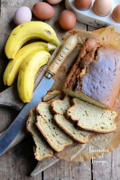 Lavender and Lovage | Coffee Shop Style Banana Bread | http://www.lavenderandlovage.com