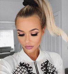 Image about girl in pretty 💁🏻 by Jorida Burgaj Prom Makeup, Diy Makeup, Makeup Inspo, Makeup Inspiration, Beauty Makeup, Hair Beauty, Beauty Secrets, Beauty Hacks, Beauty Tips