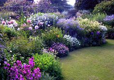 35+ Super Beautiful Flower Garden Ideas You Have To Build One in You Home Yard – DECOREDO