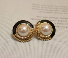 Vintage Gold Pearl Stud Earrings by DesignzByRuth on Etsy, $22.00