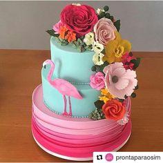New Cake Fondant Girl Decorating Supplies 48 Ideas Flamingo Party, Flamingo Cake, Flamingo Birthday, Luau Birthday, Birthday Cake, Birthday Parties, Birthday Ideas, Bolo Tumblr, Fondant Girl