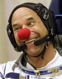 clown-astronaut-russia_kazakhstan_space_tourist.jpg (213×270)