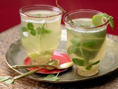 Cardamom and Mint Tea