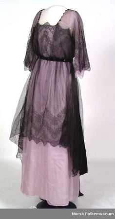 1910s Mauve floor length dress with see through black lace overshirt c1912-1914