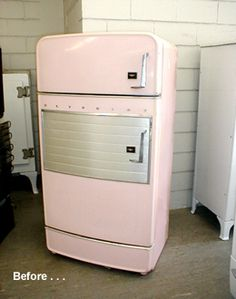 1956 Hotpoint refrigerator--I have this in mint green---it was Mom and Dad's. Paint Refrigerator, Vintage Refrigerator, Retro Fridge, Retro Kitchen Appliances, Vintage Appliances, Vintage Decor, Retro Vintage, Vintage Stoves, Good Old Times