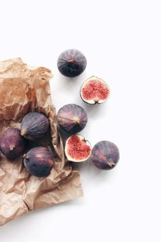 How To Eat Healthy, Even When You're Busy: Simple Nutrition Tips. If you are reading this, you must be ready to make some changes to your diet. Fruit And Veg, Fruits And Veggies, Fig Fruit, Fig Salad, Dessert Aux Fruits, Fig Recipes, Fruit Photography, Vegetables Photography, Fresh Figs
