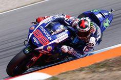 MotoGP: Jorge Lorenzo pole, Valentino Rossi front row in Brno GP / MotoGP11戦目、Brno GPの予選は、YamahaのJorge Lorenzoがポールポジションとなった。