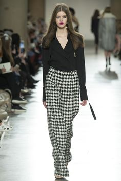 Topshop Unique Fall 2016 Ready-to-Wear Collection Photos - Vogue Fall Fashion 2016, Autumn Winter Fashion, Runway Fashion, Fashion Show, Fashion Outfits, Fall Winter, London Fashion Weeks, Moda Minimal, Jessica Parker