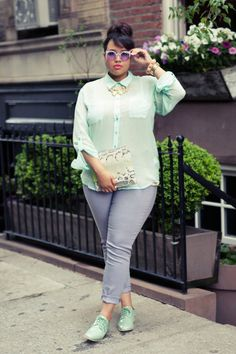 Can't get enough of Gabi of GabiFresh's pastel mint and lavender colorblocked look.