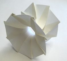 3D Origami by Jun Mitani, Professor of Computer Science at the University of Tsukuba
