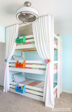 How To Build A DIY Triple Bunk Bed - Plans and Tutorial! This DIY Triple Bunk Bed is perfect for grandchildren, triplets, and kids who share a room. It& a great space saver and so much cheaper to build than buy! Toddler Bunk Beds, Bunk Beds For Girls Room, Bunk Bed Rooms, Bunk Beds With Stairs, Kid Beds, Bunk Bed Decor, Bunk Bed Curtains, Loft Beds, Kid Bedrooms