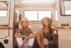 Each of our lightweight straw hats are handmade from natural materials sourced from shorelines and sustainably-farmed palm plantations across the globe. They're then handwoven into high-quality summer styles for men and women Best Friend Photos, Best Friend Goals, Beach Aesthetic, Retro Aesthetic, Split Screen, Photo Recreation, Camper, Music Festival Outfits, Gal Pal