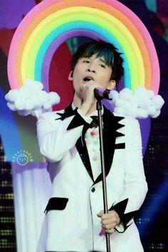 万丈高楼平地起,成功还得靠自己。 ——大张伟 dazhangwei dzw Chinese, Entertainment, Singers, Entertaining, Chinese Language