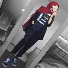 Pinterest @adarkurdish Modern Hijab Fashion, Hijab Fashion Inspiration, Muslim Fashion, Modest Fashion, Fashion Outfits, Casual Hijab Outfit, Hijab Chic, Hijab Dress, Ootd Hijab