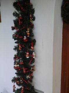 Decorazione con oggetti in legno