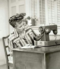 Want a print of this for my craft room. Who doesn't love Lucy?