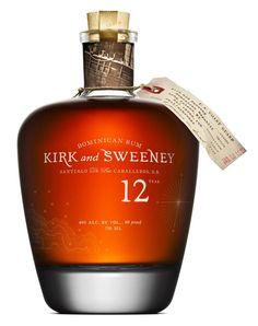 Kirk and Sweeney 12 års er den yngste i serien og en spændende rom - både til luksus cocktails eller ren. Efter 12 år på egestræsfad er smagnoter som vanilje, karamel og tørrede frugter tydelige. Dominkansk rom i eksklusiv indpakning som går hånd i hånd med indholdet.  #Kirk #Sweeney #Rum #rhum #rom #godrom #vinoble #vinbutik