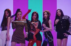 : JYP Entertainment revela a su nuevo grupo de chicas, Itzy Kpop Girl Groups, Korean Girl Groups, Kpop Girls, First Girl, New Girl, Nct 127, Shinee, Got7, Pretty Asian