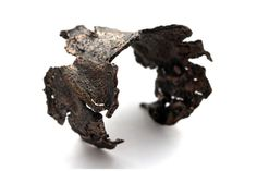 wide wilted cuff in bronze