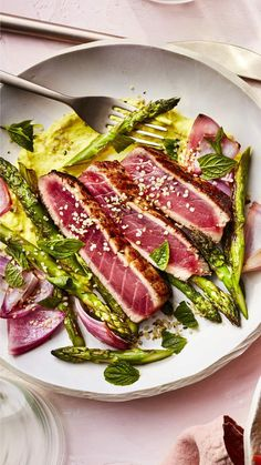 Prebiotic-rich asparagus adds a pretty pop of color and spring flavor to the plate. Hemp seeds are a good plant-based source of Use any leftover dressing as a dip for veggies or pita chips. Lunch Recipes, Vegetarian Recipes, Cooking Recipes, Healthy Recipes, Healthy Food, Quick Healthy Lunch, Healthy Grilling, Restaurant Recipes, Seafood Recipes