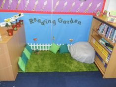 classroom reading area | ... so i use two book shelves to create a small area for our reading area