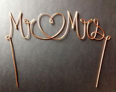Wire Mr & Mrs/Heart Wedding Cake Topper by CopperMaidenJewelry, Copper Wedding Inspiration for Jenny Buckland Hair and Make Up Heart Wedding Cakes, Cake Wedding, Copper Wedding Cake, Copper Wedding Decor, Wedding Cake Toppers, Vintage Cake Toppers, Mr Mrs Cake Toppers, Diy Cake Topper, Copper Wire
