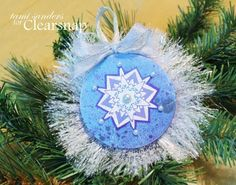 @tami sanders * paper crafter  has created this beautiful ornament for @Clearsnap Inkpads  using #Stampendous Cling Jumbo Snowflake Trio stamp set! Just Gorgeous!!