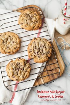 Doubletree Hotel Chocolate Chip Cookies -Can't wait to try these! Love these cookies!!