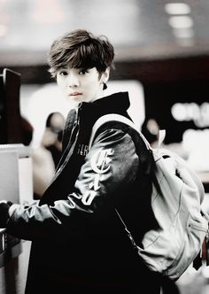 Luhan... your baby face is too much to handle xD